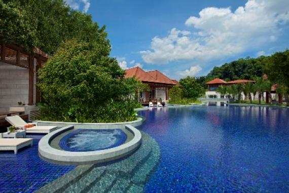 Singapore 39 s 10 most impressive hotel swimming pools - Swimming pool singapore opening hours ...