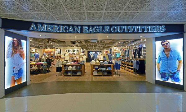 The Wait Is Over American Eagle Outfitters Opens Flagship Store In VivoCity