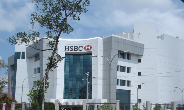 HSBC to locally incorporate its Singapore retail operations in May