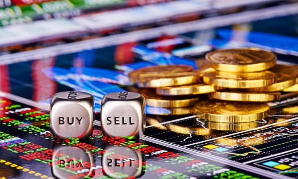 Shaky stock market pushes Singapore institutional investors
